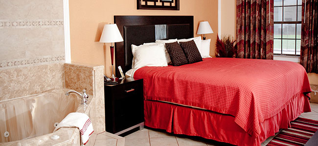 Manor Inn College Station King Jacuzzi Guestroom